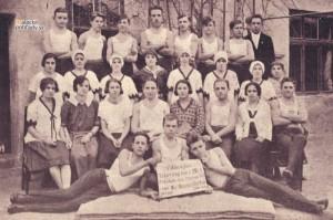Členovia Orla po ukončení telocvičného kurzu v 20. rokoch 20. storočia
