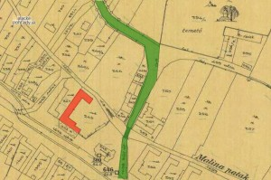 1914. Červenou farbou je vyznačený dom v pôvodnom rozsahu, zelenou farbou pôvodná levárska cesta