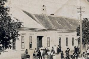 Pohrebný sprievod v Malackách v roku 1934