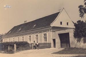Dom Jávorovcov v Malackách okolo roku 1940