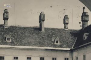 Bývalý pálffyovský zámok v Malackách. Stav okolo roku 1930.