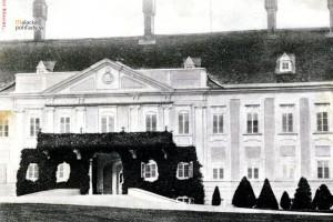 Malacký pálffyovský zámok na prelome 19. a 20. storočia.