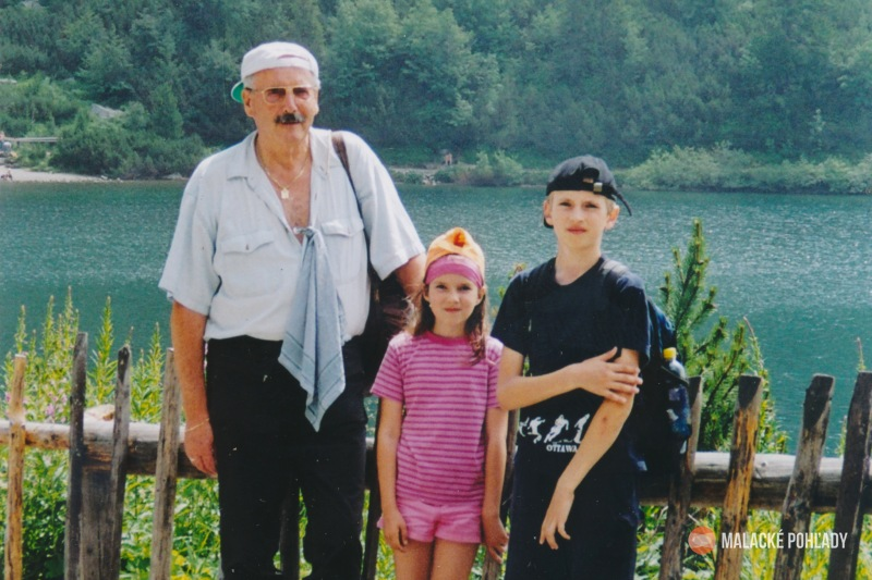 Július Morávek s vnúčatami