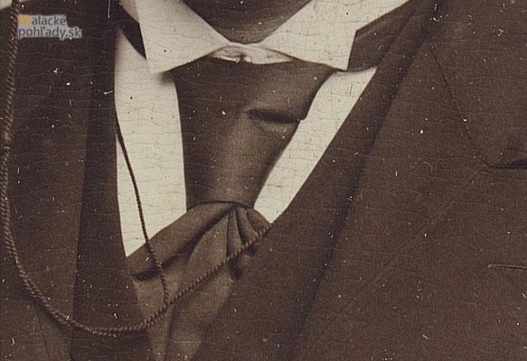 3_7_kravata