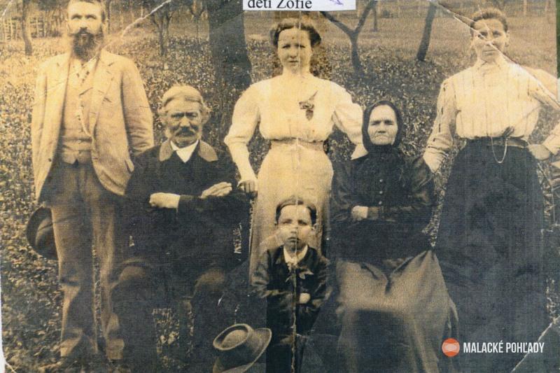 Juliana Hirnerová s manželom a potomkami