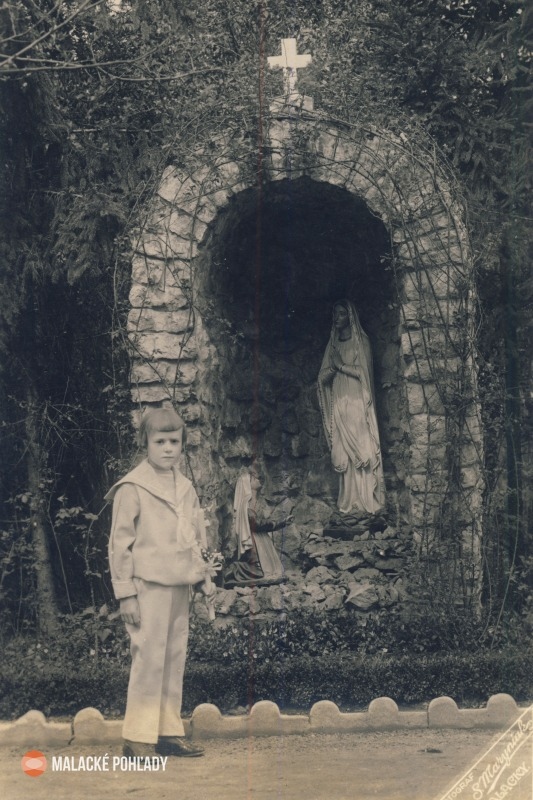 Lurdská jaskyňa pri Maline v Malackách