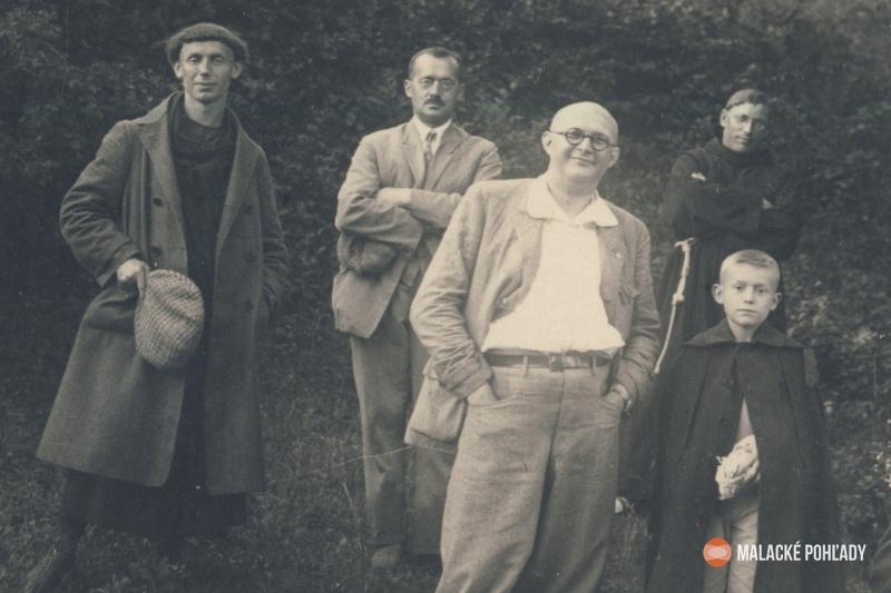 Július Trebišovský (vpravo dole)