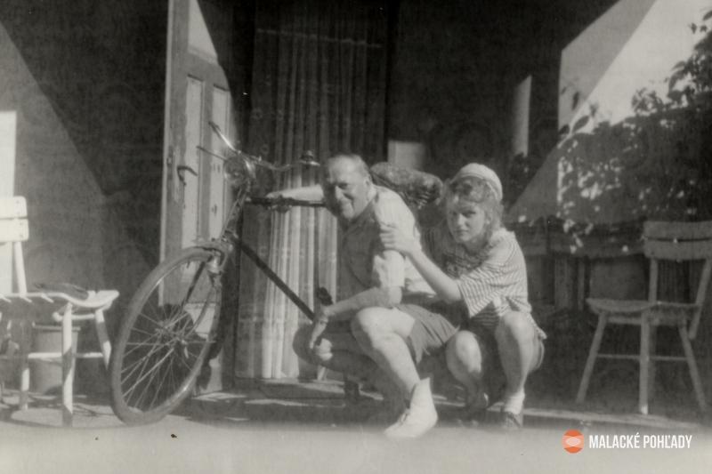 Július Trebišovský s vnučkou Máriou