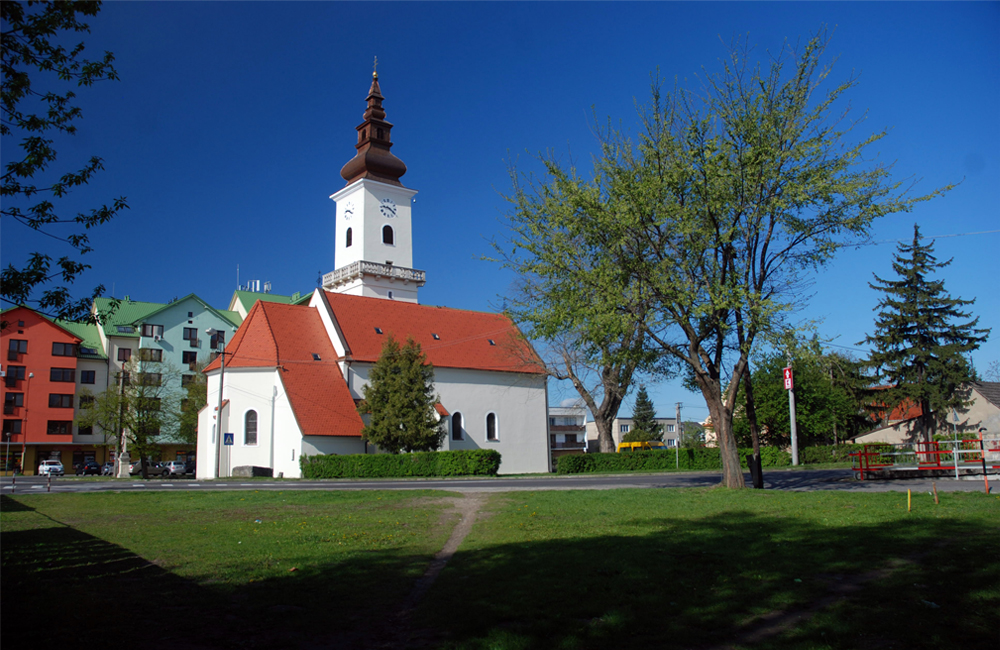 Farský kostol v Malackách
