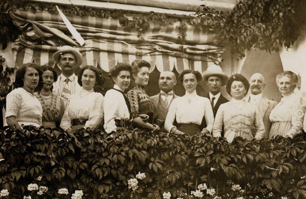 Ako sa Malačania obliekali... (1) – Móda bohatších dám v posledných rokoch Rakúsko-uhorskej monarchie