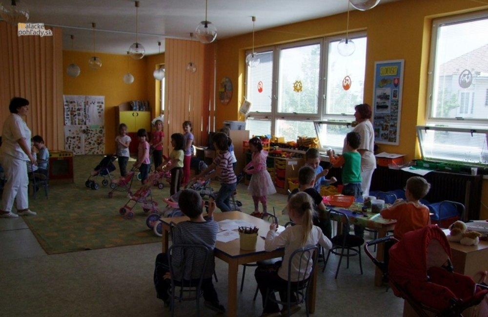 Prioritou je otvoriť škôlku na Rakárenskej v septembri