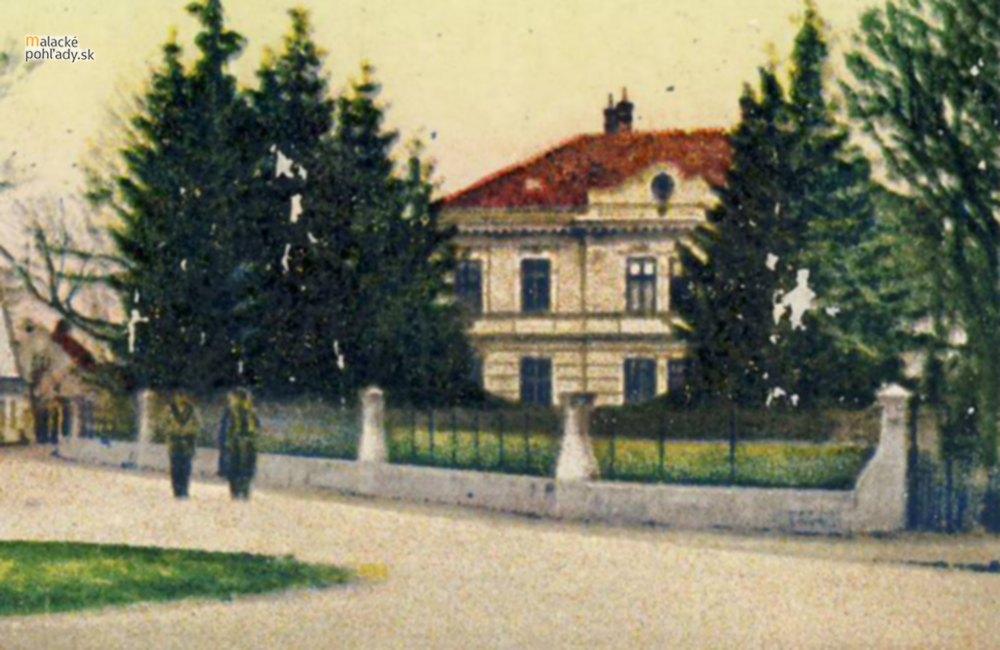 Genius loci (19) – Obecný dom v Malackách