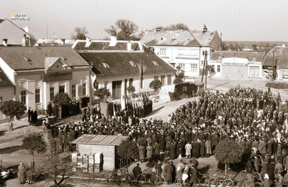 Mierové námestie po druhej svetovej vojne