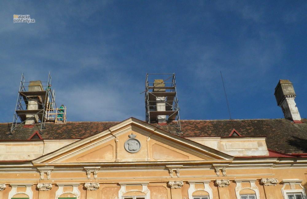 Komíny pálffyovského zámku v Malackách