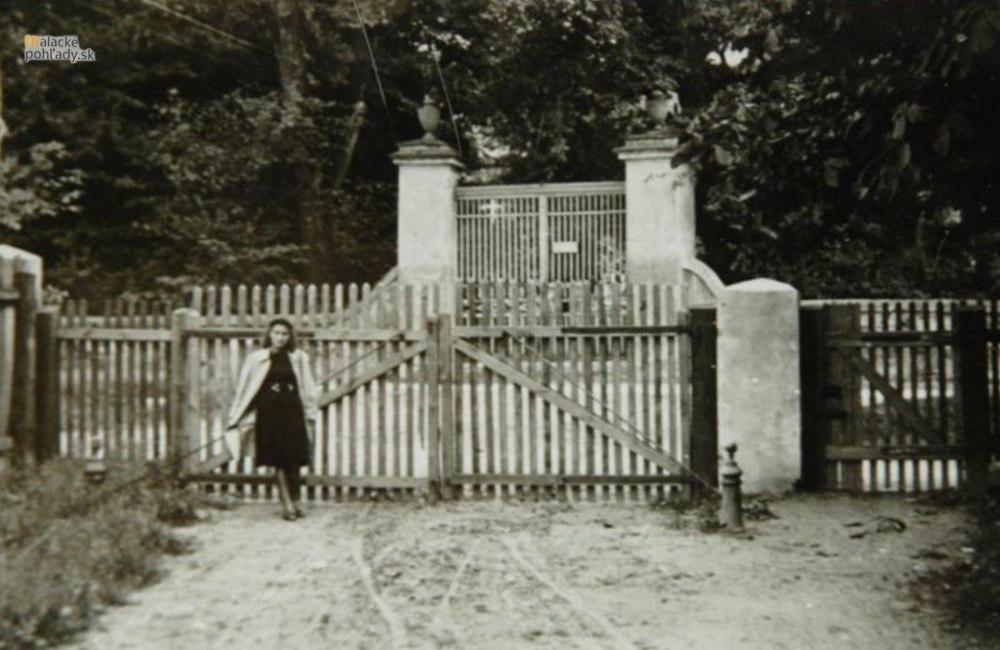 Stroj času - Biela brána