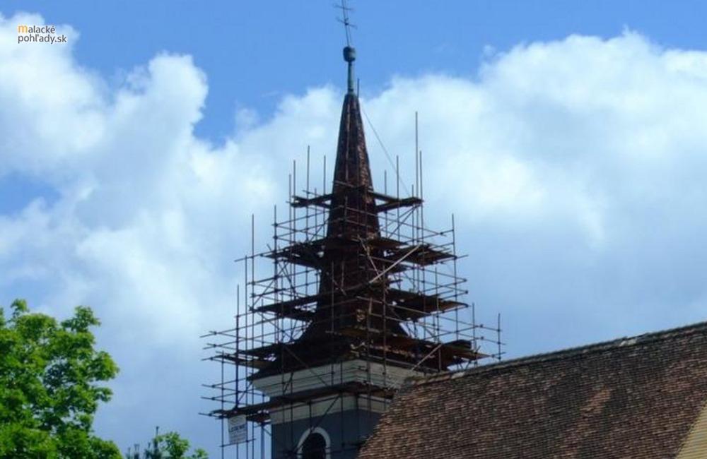Tajomstvo kríža na veži františkánskeho kostola