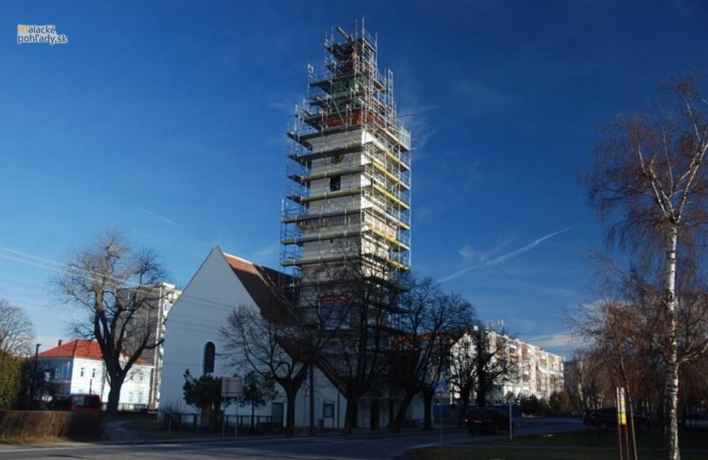 Farský kostol počas rekonštrukcie