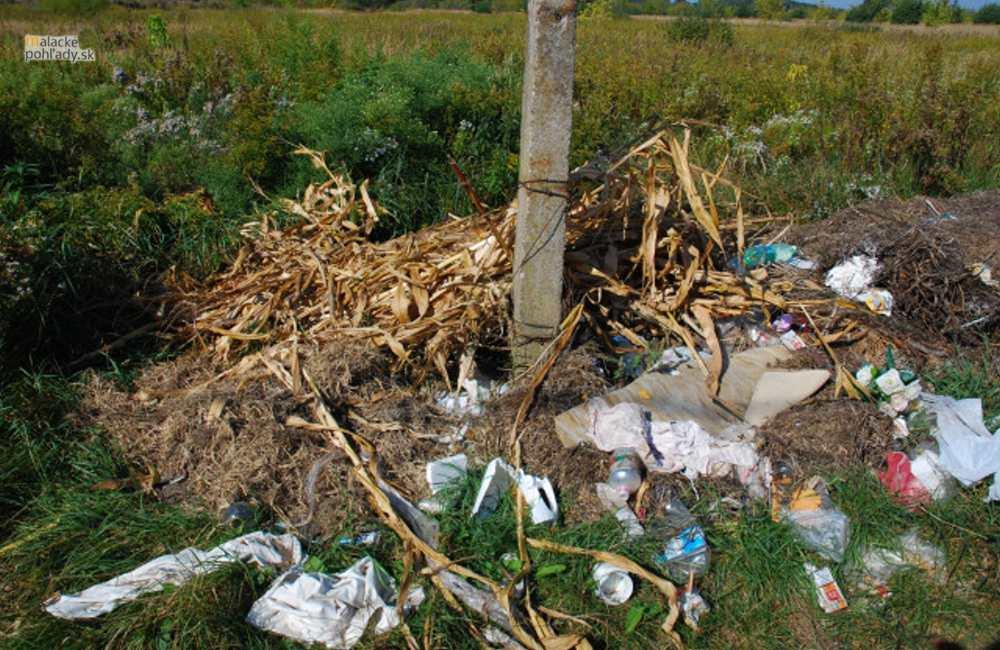 Smutný fotoreport – Neriadené skládky odpadov v meste Malacky