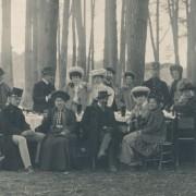 Piknik malackej honorácie pod lupou