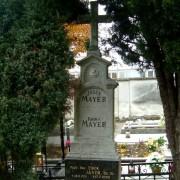 Hrob obchodníkov Mayerovcov na starom cintoríne v Malackách