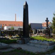 Hrob Bittnerovcov na starom cintoríne v Malackách