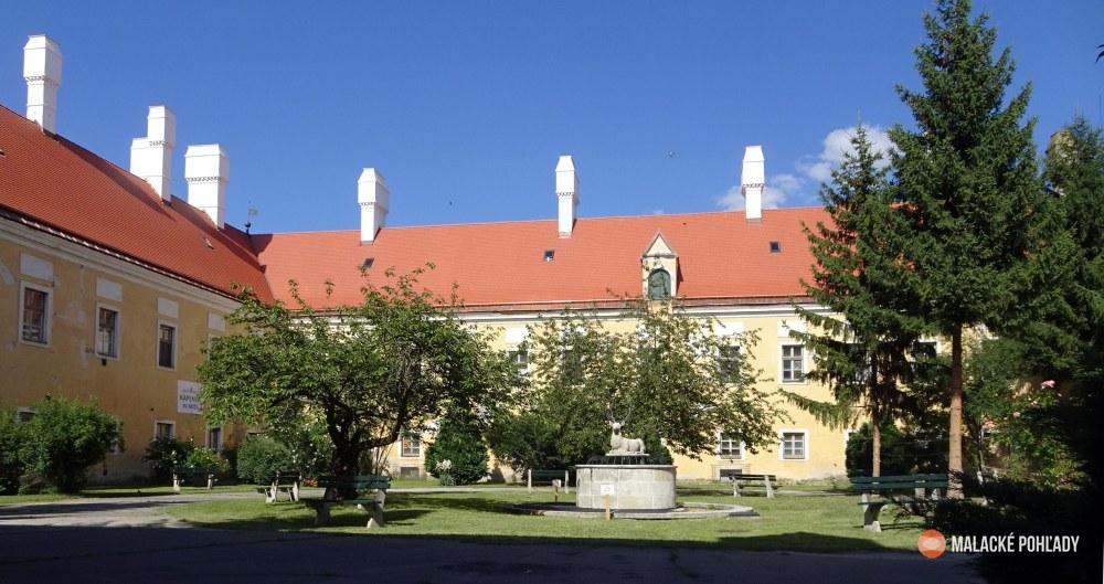 Pálffyovský zámok a zámocký park