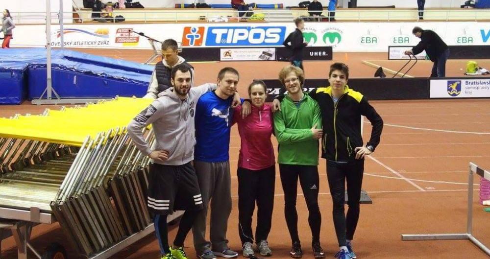Na majstrovstvách Bratislavy vybojovali malackí atléti 14 titulov