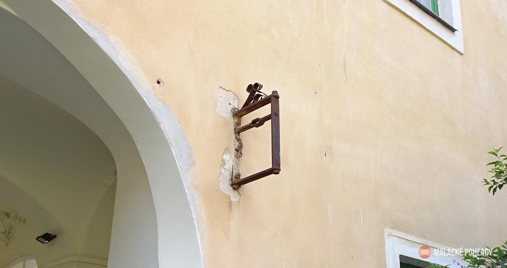 Zvonček na nádvorí malackého zámku