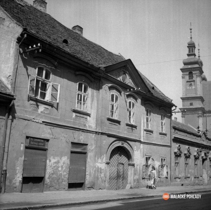 Dom Nuszerovcov na Hollého ulici v Trnave, foto archív Simony Jurčovej