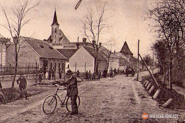 Wiesnerovci, Radlinského ulica, Malacky