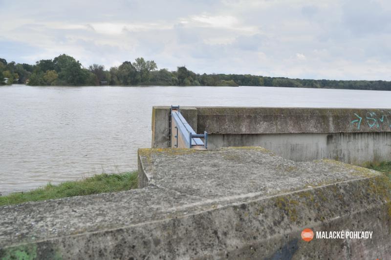 Hrádza rieky Morava pri Gajaroch, 2020