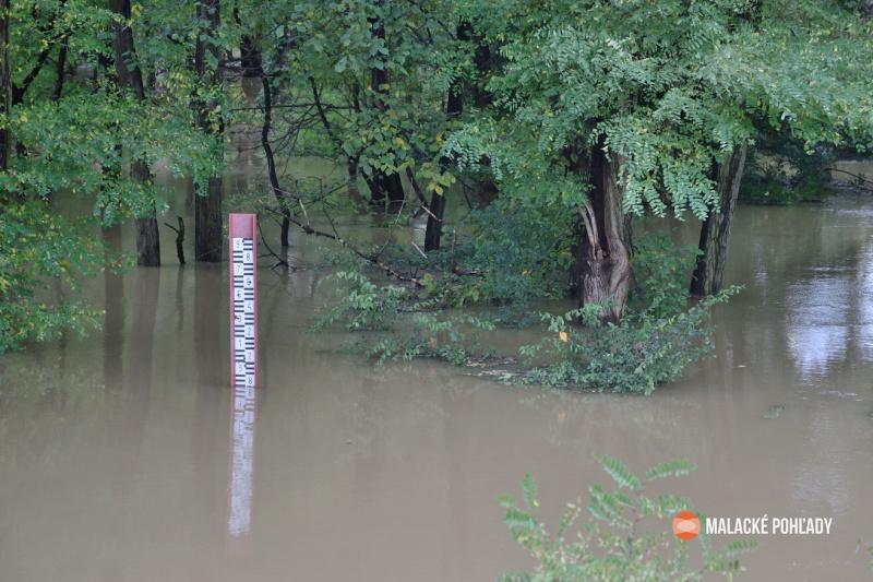 Morava dosiahla v októbri 2020 vysokú hladinu vody