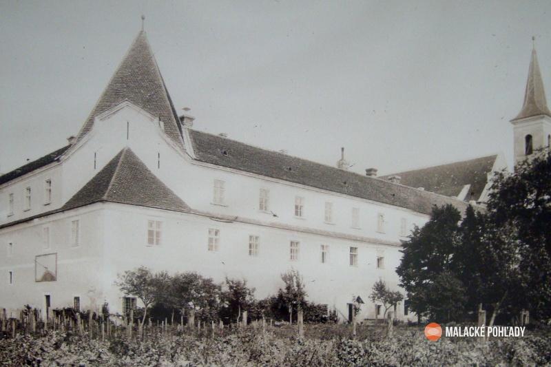 Slnečné hodiny, Čierny kláštor Malacky