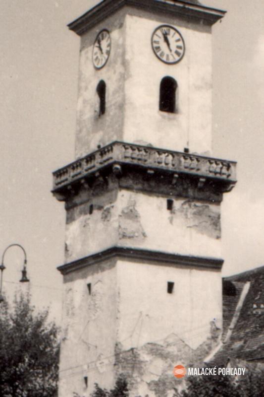 Slnečné hodiny, farský kostol Malacky