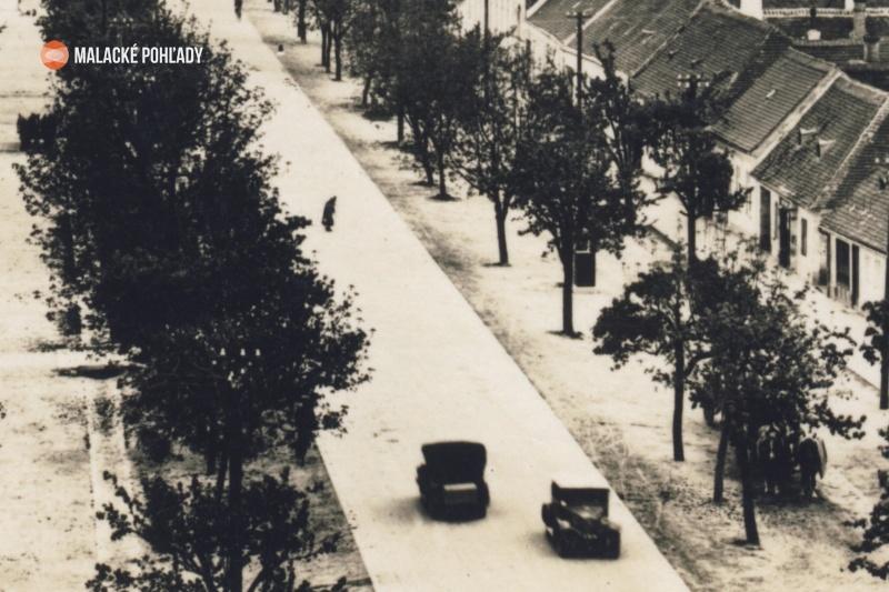 Záhorácka ulica v Malackách, cesta