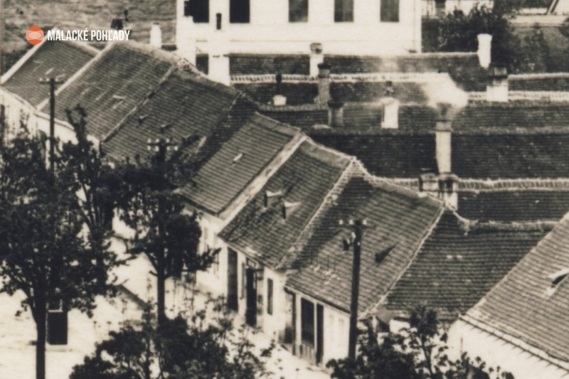 Záhorácka ulica v Malackách, domčeky