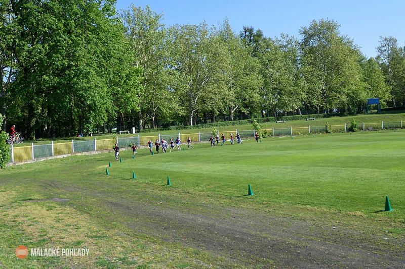 Preteky, atletická dráha v zámockom parku