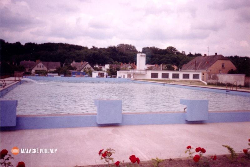 Kúpalisko v Malackách, 90. roky 20. storočia